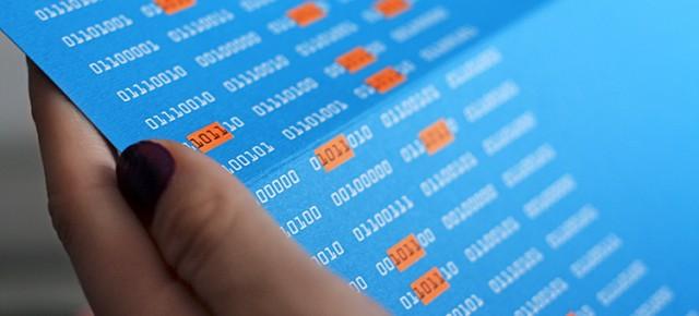 Layouter gestalten die Karte zum Jahreswechsel der JGS-Stuttgart